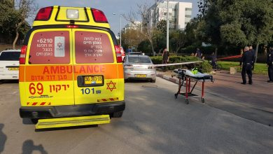 Photo of צעיר בן 18 נדקר באמצע רחוב הרטום בנתניה. מצבו בינוני. סריקות נערכות אחר הדוקר