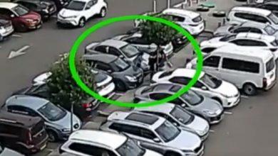 "Photo of צפו: גנב נייד מחולה בביה""ח ""מאיר"" ומשם הלך לגנוב רכב בקניון G, כשבעלת הרכב תופסת אותו ""על חם"""
