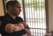 Photo of בבנימינה: התינוקת בת החודשיים ננעלה ברכב האם. שוטר התנועה נחלץ לעזרת הפעוטה וחילץ אותה בזמן