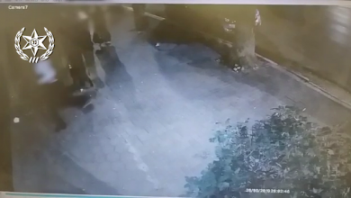 Photo of צפו: שודד סדרתי תקף קשישות באזור השרון וחטף את שרשרותיהן. עד שנתפס