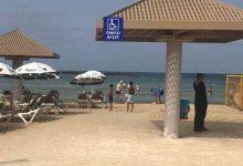 Photo of המשטרה עכבה חולה מאומת שגלש בשבת בחוף פולג בנתניה, כשהוא בקרבת רוחצים רבים. הוא חטף גם קנס כבד