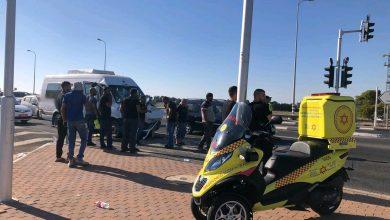Photo of צפו: תאונת דרכים בין 2 רכבי הסעות מסחריים בצומת תנובות. במקום 14 פצועים, מהם אחד באורח קשה