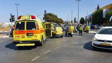 "Photo of רוכב אופנוע בן 30 נפגע באורח קשה בתאונה ברחוב האר""י בנתניה"