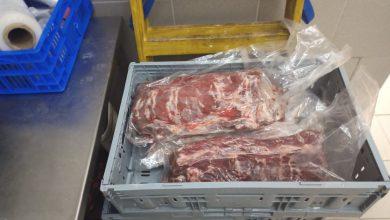 Photo of בפשיטה שערכו המשטרה ומשרד הבריאות התגלתה כמות בשר לא ראויה למאכל אדם ששווקה לאזור השרון, בעלי חיים שעברו התעללות ועוד הפתעות