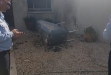 Photo of ממש ליד הבית של ביבי: שלושה פצועים בפיצוץ מיכל דלק בבית בקיסריה, לוחמי האש ושוטרים במקום
