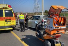 Photo of דרמה סמוך למחלף גלילות: החייאה בנהג בן 50 שאיבד הכרה תוך כדי נסיעה בכביש 20