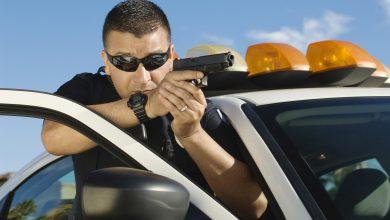 Photo of שני אחים התחזו לשוטרים ועצרו רכבים בכביש עכו: מאחד הנהגים גנבו נייד ומנהג אחר גנבו ממנו את רכבו, כשהם מאיימים עליו באקדח