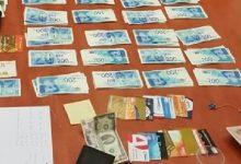 Photo of תושב חיפה ובן דודו נעצרו לאחר שגנבו כרטיסי אשראי מתיבות דואר של בנייני רבי קומות בחיפה ויצאו למסע שופינג