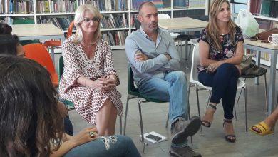 """Photo of לאחר שזכתה במכרז למשרה בכירה במשרד החינוך, הודיעה מנהלת """"הפתוח"""" בחיפה כי היא עוזבת. גם שם בית הספר משונה"""
