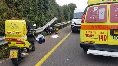 Photo of תאונה קטלנית בצומת געתון: רוכב נלכד תחת מעקה בטיחות לאחר התנגשות עם מיניבוס. מותו נקבע בזירה