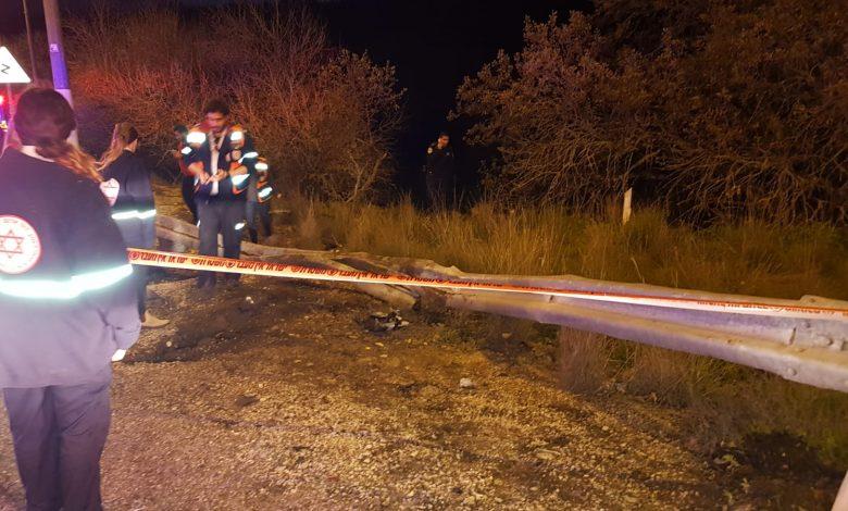 """הגעת כוחות ההצלה הייתה קשה בשל נפילת הרכב לוואדי. צילום: דוברות מד""""א כרמל"""
