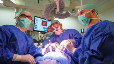 "Photo of ניתוח ייחודי ברמב""ם להסרת גידול: דרך האוזן"