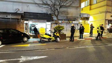 Photo of מסתמן: הגבר שנמצא מת לצד האישה הפצועה בחנות בחלוץ בחיפה, כתוצאה מקריסת התקרה עליהם