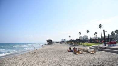 Photo of עונת הרחצה תפתח בחיפה ביום שישי הקרוב. בשלב הראשון יפתחו 8 תחנות הצלה ושבוע לאחר מכן יפתחו כל 14 תחנות ההצלה בכל חופי העיר