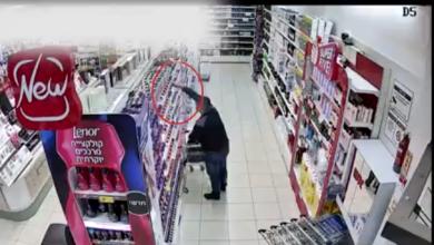 Photo of צפו: שני תושבי עכו הסתובבו ברחבי הארץ וגנבו מוצרים מרשתות חשמל וקוסמטיקה בשווי מאה אלף שקלים