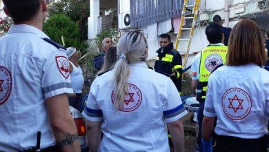 Photo of דרמה בעתלית:  לוחמי האש הגיעו לכבות שריפה ומצאו עצמם נאבקים באדם שניסה לשים קץ לחייו