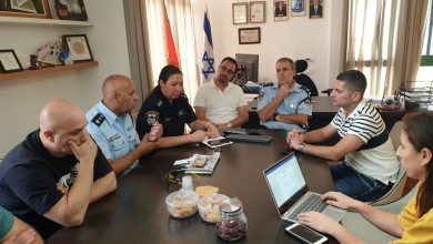 Photo of בעקבות החיסול וההצתות אתמול בנשר, דיון מיוחד בין ראש העירייה ופיקוד משטרת זבולון
