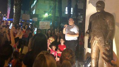 """Photo of ראש עיריית קריית ביאליק, אלי דוקורסקי, הצטרף אמש למחאת ההורים: """"צריך לפעול על מנת שגן ילדים יהיה עסק טעון רישוי"""""""