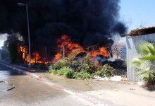 """Photo of בעקבות השריפה הגדולה: המשרד להגנת הסביבה ביטל את היתר הרעלים של """"שמן תעשיות"""" בחיפה"""