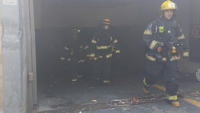 Photo of חניון תת קרקעי בבניין ברחוב המייסדים בנהריה עולה באש. כוחות כיבוי פועלים במקום