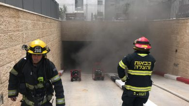 Photo of שבעה צוותי כבאות פועלים בשריפה בחניון תת קרקעי בנאות פרס בחיפה