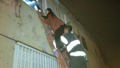 Photo of דרמה לפנות בוקר בנווה דוד חיפה: דיירים לכודים חולצו משריפה בבניין במלך שלמה