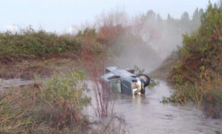 הרכב של הנעדר שנמצא הבוקר, כשהוא לכוד בתוכו. צילום: דוברות המשטרה