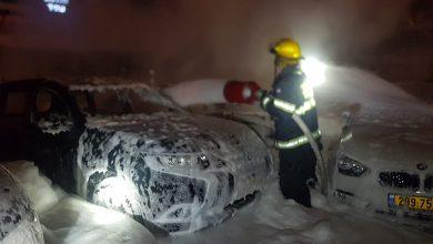 Photo of צפו: שוב פרוטקשן – מספר מכוניות הוצתו ונשרפו במגרש רכבים בשדרות ההסתדרות בחיפה. לוחמי האש מנעו נזק כבד יותר