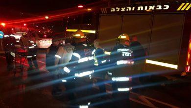 חמישה צוותי לוחמי אש פעלו לחילוץ הנהג. צילום: דוברות כיבוי חוף