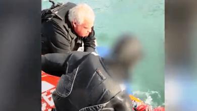 "Photo of יחידת השיטור הימי של משטרת ישראל הצילה מול חופי הקריות גולש ""קייט סרפינג"" שכמעט טבע למוות כאשר המצנח נכרך סביב רגלו והחל לשקוע בים"