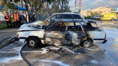 Photo of חשד להצתת רכבים לאור יום בקריית שמואל בחיפה לפני זמן קצר