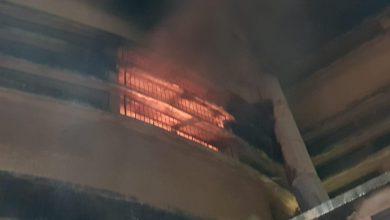 Photo of שריפה גדולה במבנה בשוק תלפיות בחיפה. חיפוש אחר לכודים