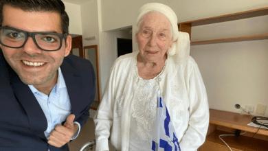 Photo of חולדה גורביץ', המלאך בלבן, זוכה להנצחה בחיפה בעודה בחיים