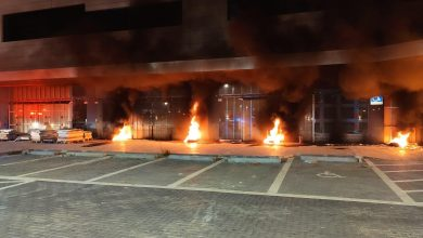 Photo of שריפה מחוץ לעסק בבנייה ברחוב בר יהודה בנשר