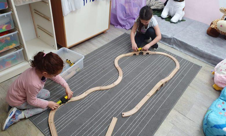 Photo of ילדי קריית ביאליק חזרו לגני הילדים תוך שמירה על כללי הריחוק