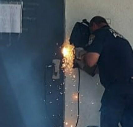 Photo of הותכו דלתות בית ההימורים שפעל ממרכז מסחרי בקריית ביאליק