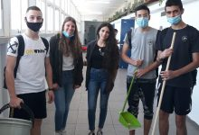 Photo of מחווה מרגשת של תלמידי עירוני ג' בחיפה: החליפו את עובדות הניקיון שיצאו לחופשת החג