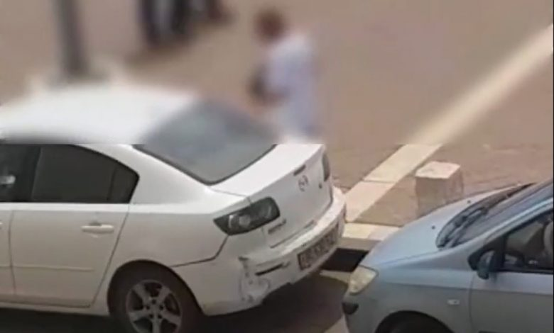 הפורץ עובר מרכב לרכב בלא מפריע לאור יום. צילומים: דוברות המשטרה