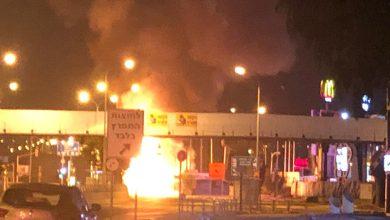 Photo of דרמה הלילה: משאית הגז התלקחה בתאונה בצומת חוצות המפרץ, לוחמי האש הסתערו על האש ומנעו פיצוץ ואסון כבד