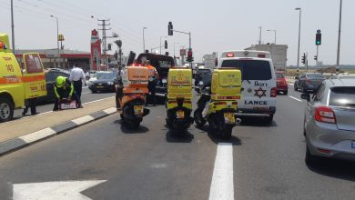 Photo of נהג בן 45 במצב אנוש, לאחר שלקה בלבו במהלך נסיעה ופגע ברכב אחר בצומת רגבה בכביש 4