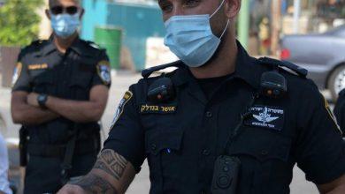 Photo of השוטרים חשפו הבוקר בנהריה מסעדה בה ישבו סועדים, בניגוד להנחיות. חולקו קנסות גם לבעלים וגם לסועדים