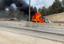 Photo of תאונה עם מעורבות 4 כלי רכב העולים באש בכביש 6 בין אליקים ליקנעם. הכביש סגור לתנועה