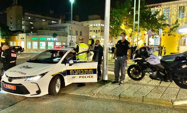 תחילת האכיפה של המשטרה וסיירי עיריית חיפה במושבה הגרמנית. קרדיט צילום: ראובן כהן, דוברות עיריית חיפה