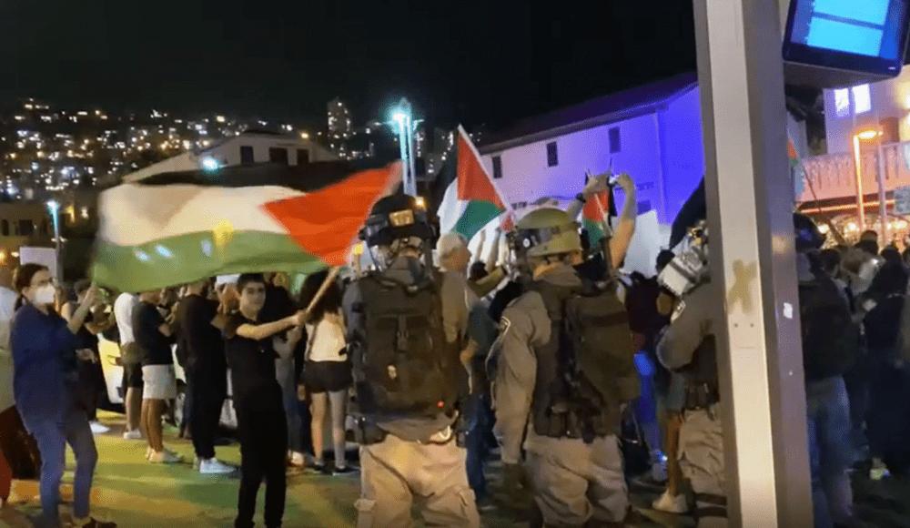 הפגנה סוערת בבן גוריון, חיפה. צילום פרטי