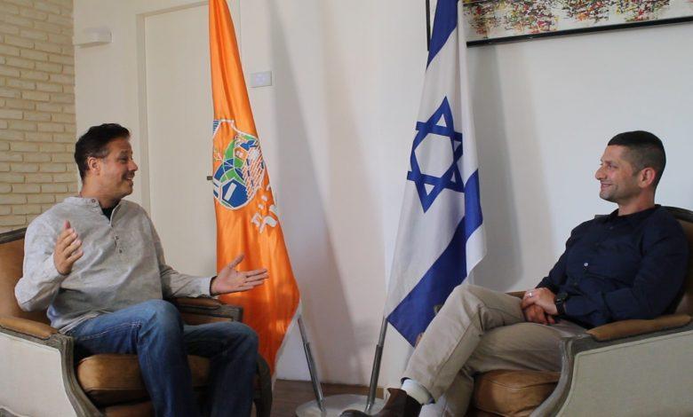 ראש עיריית נשר בראיון לניוזים צפון. צילום משה שחר